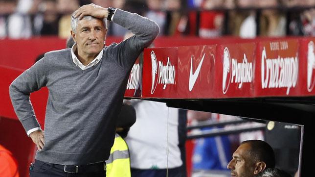 Setién, en un lance del Sevilla-Betis (EFE)