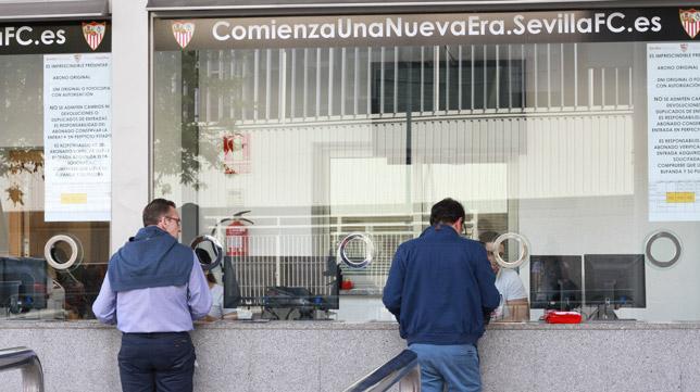 Las entradas podrán adquirirse en las taquillas del estadio Sánchez-Pizjuán (Foto: ROCÍO RUZ)