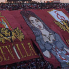 Tifo de los Biris en el derbi Sevilla-Betis