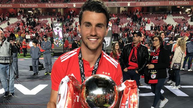 Corchia celebra el título de campeón de la Liga portuguesa
