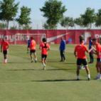El Sevilla se ejercitó este jueves en la ciudad deportiva