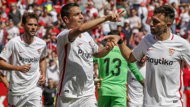 Ben Yedder celebra el primer gol del Sevilla-Athletic (Foto: Manuel Gómez)