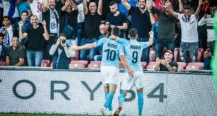 Tomer Hemed y Munas Dabbur celebran un gol en el Israel-Albania (2-0) de la Liga de Naciones
