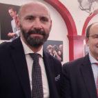 Monchi y Castro, en la caseta de la Cadena Cope en la Feria de Sevilla (Foto: Raúl Doblado)