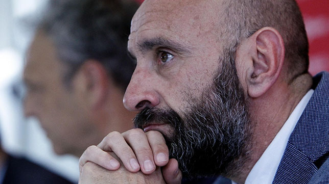Monchi, en la despedida de Caparrós como entrenador del Sevilla (Foto: Manu Gómez)