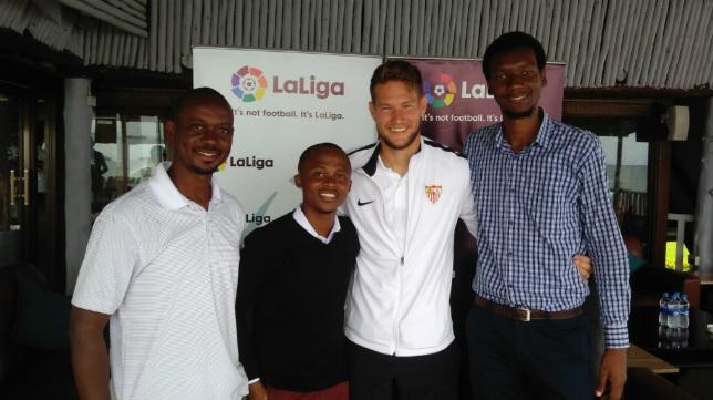 Vaclik, en la gira del Sevilla FC en Tanzania
