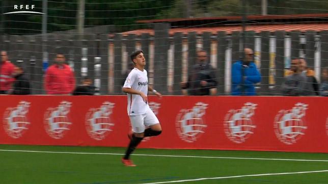 Antonio Zarzana, tras marcar el penalti en la Copa de Campeones