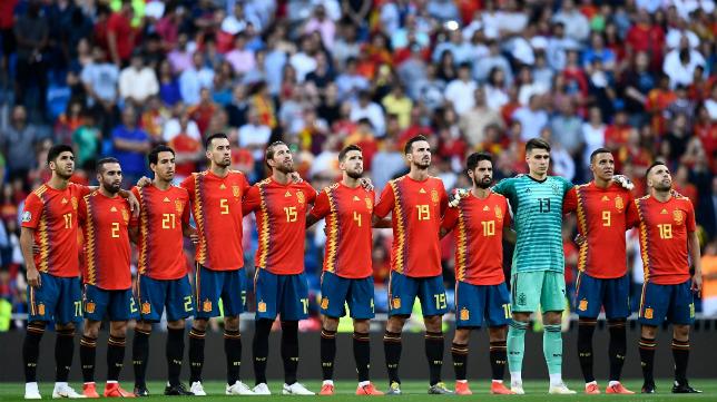 El once titular de España recuerda a Reyes