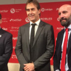 Castro, Lopetegui y Monchi, en la presentación del técnico (Foto: A. M. )