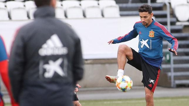 Jesús Navas, en un entrenamiento con la selección española (Foto: EFE)
