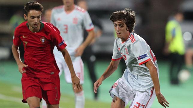Bryan Gil, en un lance de la final del Europeo sub 19 ante Portugal (Foto: EFE)