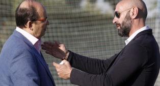 José Castro y Monchi charlan antes del amistoso entre el Sevilla y el Reading (Foto: Manuel Gómez)