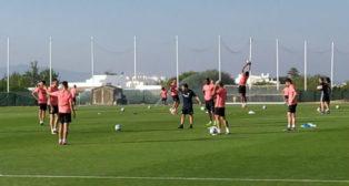 Imagen del entrenamiento del Sevilla en Lagos, Portugal