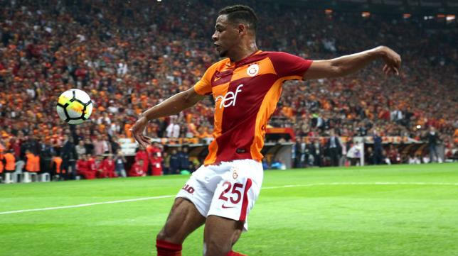 Fernando Reges, en un partido con el Galatasaray