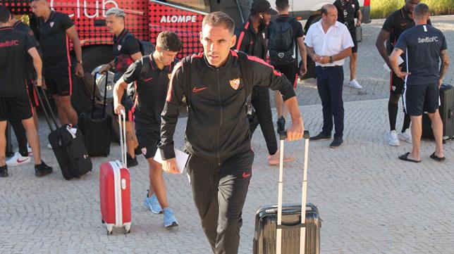 Fernando Navarro, a su llegada a Lagos (J. Parejo)