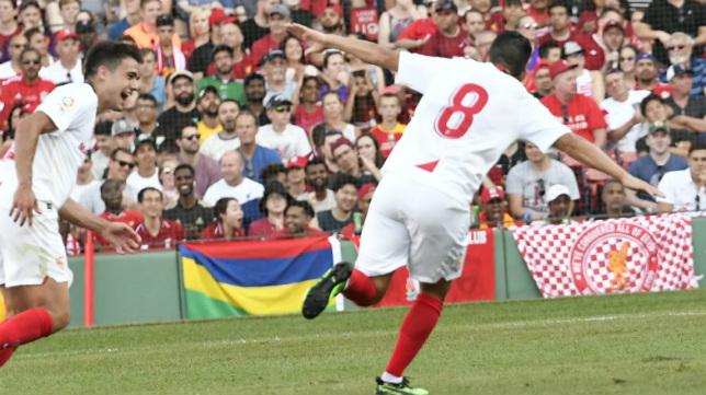 Nolito celebra su gol en el Liverpool-Sevilla (Foto: Sevilla FC)