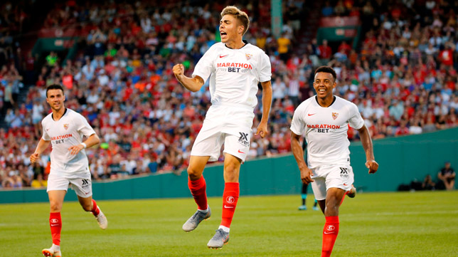 Alejandro Pozo celebra su gol ante el Liverpool (Foto: EFE)