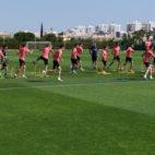 Momento del entrenamiento del Sevilla FC de este jueves 11 de julio en Lagos