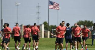El Sevilla FC se ejercita en las instalaciones del Toyota Soccer Center