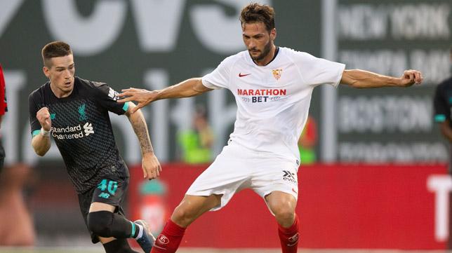 Franco Vázquez, durante en partido contra el Liverpool en Boston (Foto: EFE)