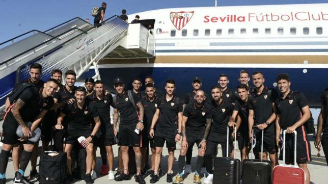 La expedición del Sevilla FC ya viaja hacia Estados Unidos