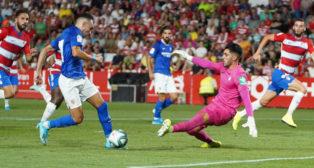 Munir recorta ante Rui Silva en una ocasión de la primera mitad entre el Granada y el Sevilla (Foto: Sevilla FC).