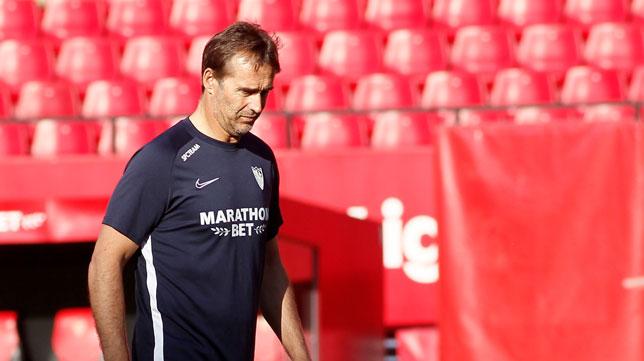 Lopetegui, en el entrenamiento del Sevilla (Foto: Manu Gómez)
