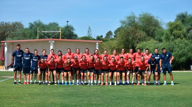 El Sevilla FC femenino, en las instalaciones de Moncarapacho (Foto: SFC)