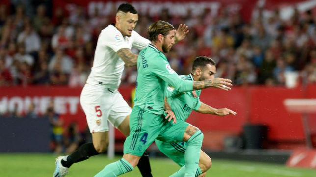 Ocampos en una acción ante el Real Madrid
