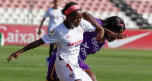 T. Payne, jugadora del Sevilla FC Femenino, durante el encuentro ante el Granadilla Tenerife (FOTO: Manuel Gómez)