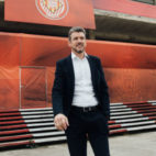 Juan Carlos Unzué, en el estadio del Girona, Montilivi