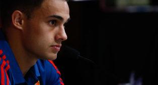 Reguilón, en rueda de prensa con la selección española (EP)