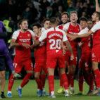 La celebración de los jugadores del Sevilla FC en El Gran Derbi. Foto: Manu Gómez