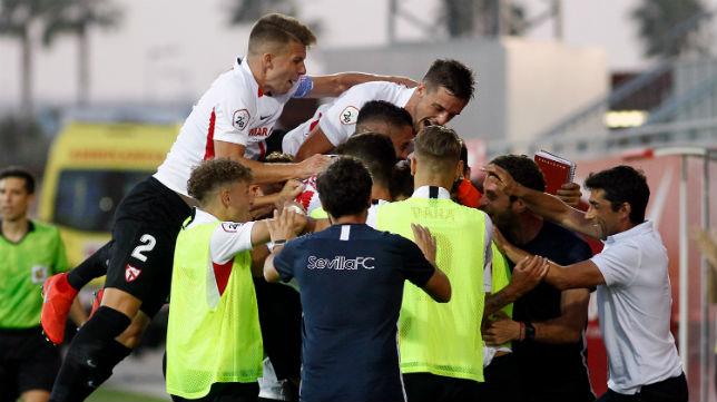 El Sevilla Atlético celebrando un gol ante el Talavera (Foto: Manu Gómez)