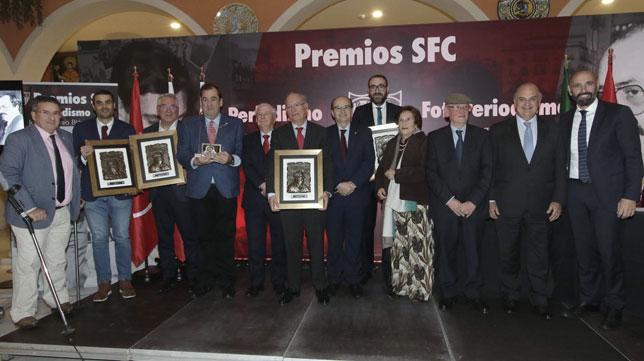 Monchi, junto a José Castro y los galardonados en los premios Blázquez y Ruesga Bono (Foto: Juan Flores).