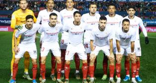 Alineación del Sevilla en el partido contra Osasuna (Foto: SERRANO ARCE)