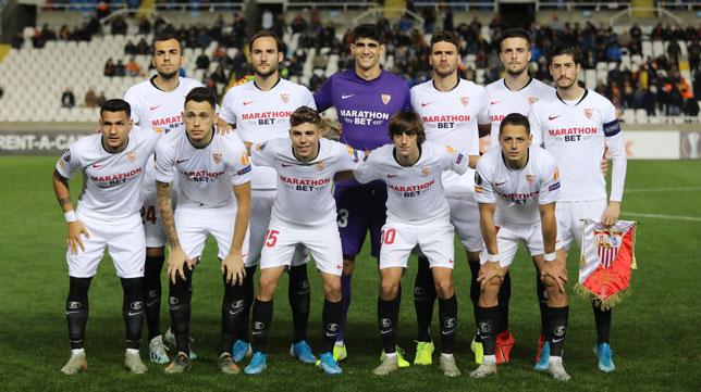 El once inicial del Sevilla FC para medirse al Apoel en Nicosia (Foto: Reuters).