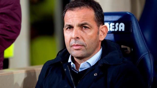 Javier Calleja, entrenador del Villarreal (Foto: EFE)
