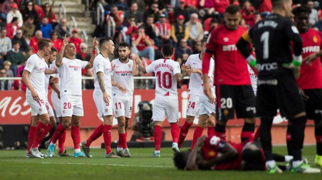 Diego Carlos, tras marcar el 0-1 en el partido Sevilla - Mallorca (AFP)