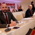 Monchi y José Castro, en la junta de accionistas (Foto: JUAN FLORES)