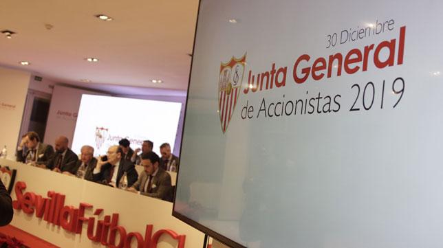 Imagen de la junta de accionistas 2019 del Sevilla FC (Foto: Juan Flores).