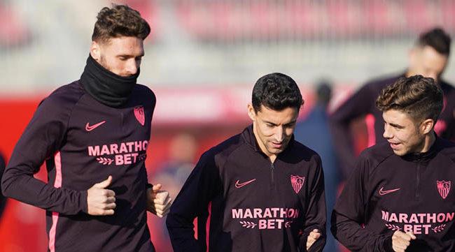 Sergi Gómez, Navas y Pozo en el entrenamiento del viernes. (vía @ SevillaFC)