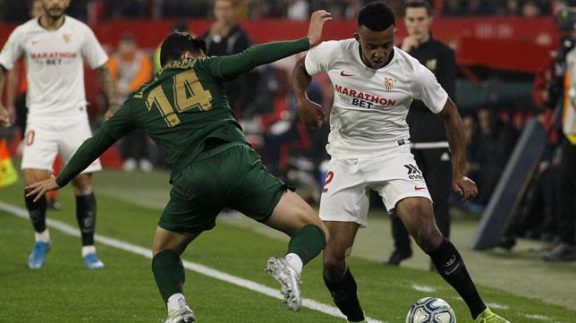Koundé, en un lance del Sevilla-Athletic (Manu Gómez)