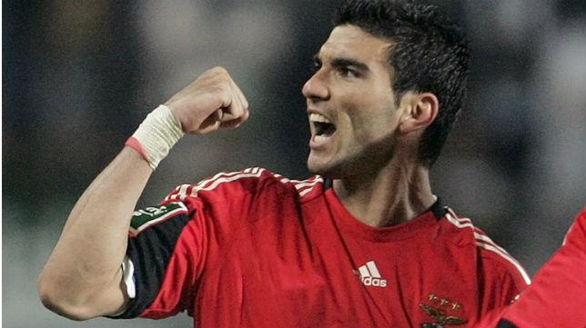 Reyes celebra un gol en la final de la Copa de la Liga de Portugal de 2009 (Foto: Reuters)