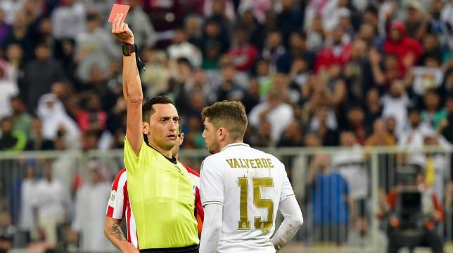 Sánchez Martínez expulsa a Valverde en la final de la Supercopa de España