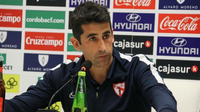 Paco Gallardo, en la rueda de prensa posterior al Córdoba - Sevilla Atlético (Foto: Sevilla FC)