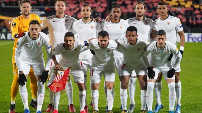 El once del Sevilla FC en el partido de la Liga Europa en Cluj (Foto: Sevilla FC).