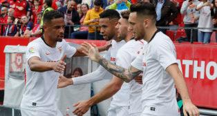 Los jugadores del Sevilla celebran el 1-0 ante Osasuna (Raúl Doblado)
