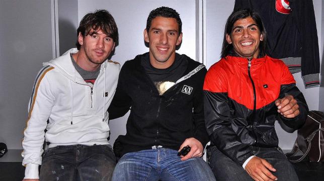 Lionel Messi, Maxi Rodríguez y Éver Banega