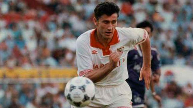 Suker, durante un encuentro de su etapa en el Sevilla FC